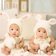 twin-babies-wearing-rabbit-ears